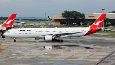 VH-QPE - Airbus A330-303 - Qantas