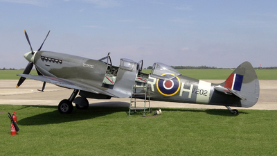 G-CCCA - Supermarine Spitfire Mk IX/T - Historic Flying
