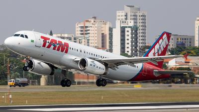 PT-MZT - Airbus A320-232 - TAM Linhas Aéreas