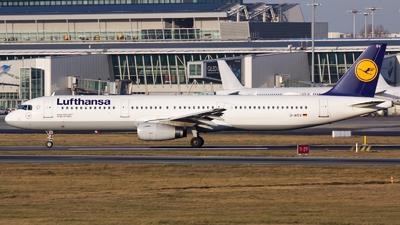 A picture of DAISV - Airbus A321231 - Lufthansa - © Emil Zegnalek