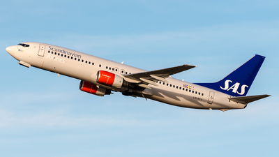 LN-RCX - Boeing 737-883 - Scandinavian Airlines (SAS)
