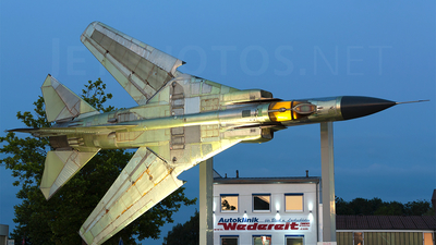 20-27 - Mikoyan-Gurevich MiG-23ML Flogger G - German Democratic Republic - Air Force