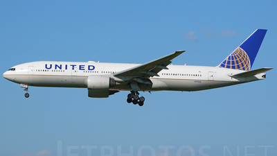 N791UA - Boeing 777-222(ER) - United Airlines