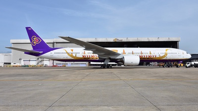 HS-TKF - Boeing 777-3D7 - Thai Airways International