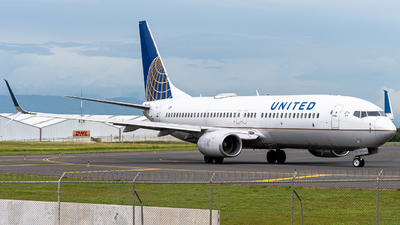 A picture of N87512 - Boeing 737824 - United Airlines - © Osvaldo Arce