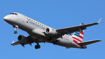 A picture of N111HQ - Embraer E175LR - American Airlines - © h.giraff