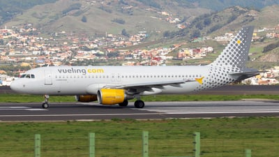EC-KLT - Airbus A320-216 - Vueling Airlines