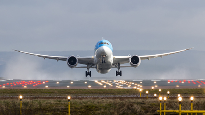 G-TUIA - Boeing 787-8 Dreamliner - Thomson Airways