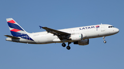 A picture of CCBFD - Airbus A320214 - LATAM Airlines - © MartinezRoe7