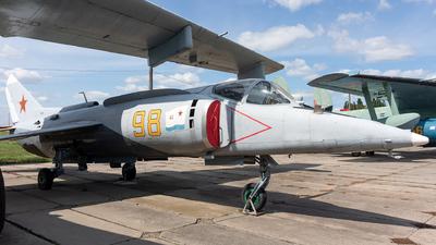 98 - Yakovlev Yak-38 Forger - Soviet Union - Air Force