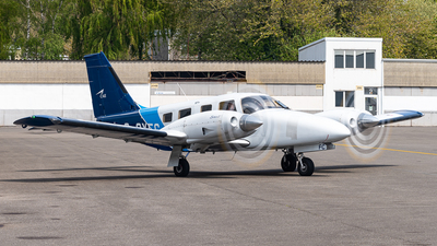 G-OXFC - Piper PA-34-220T Seneca V - Oxford Aviation Academy