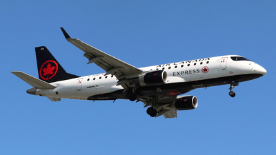 A picture of CFEKH - Embraer E175SU - Air Canada - © Guy Langlois