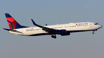 N816DN - Boeing 737-932ER - Delta Air Lines