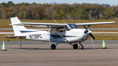A picture of N739PC - Cessna 172N Skyhawk - [17270688] - © Oliver Richter