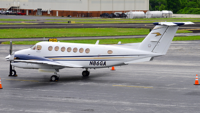 N86GA - Beechcraft B300 King Air 350 - Private