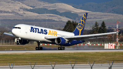 N662GT - Boeing 767-31A(ER) - Atlas Air