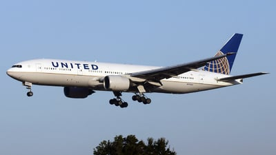 N795UA - Boeing 777-222(ER) - United Airlines