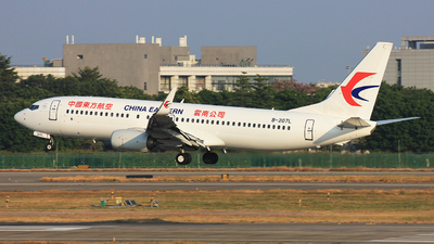 A picture of B207L - Boeing 73789P - China Eastern Airlines - © TANG MIN XIN