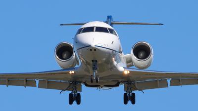 C-GJDS - Bombardier CL-600-2B16 Challenger 604 - Private