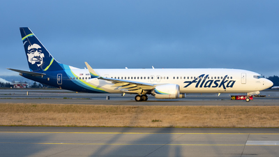 A picture of N918AK - Boeing 737 MAX 9 - Alaska Airlines - © Michael Rodeback
