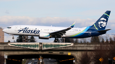A picture of N523AS - Boeing 737890 - Alaska Airlines - © Huy Do