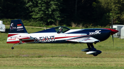 D-EXHT - Extra 300SC - Private