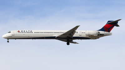 N912DN - McDonnell Douglas MD-90-30 - Delta Air Lines
