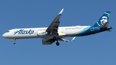 A picture of N925VA - Airbus A321253N - Alaska Airlines - © Yixin Chen
