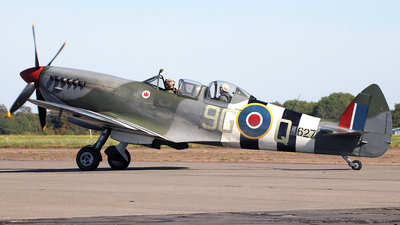 G-BMSB - Supermarine Spitfire T.9 - Private
