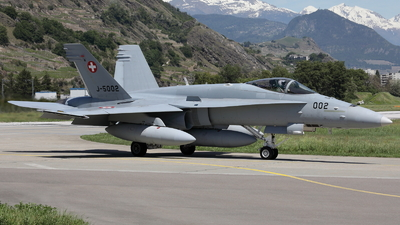 J-5002 - McDonnell Douglas F/A-18C Hornet - Switzerland - Air Force