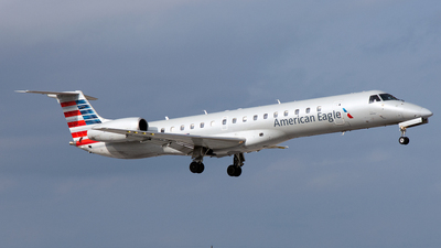 A picture of N902BC - Embraer ERJ145LR - American Airlines - © PAUL LINK