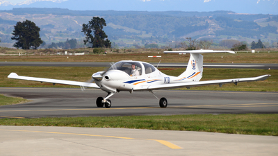 ZK-MTD - Diamond DA-40 Diamond Star XLS - Massey University School Of Aviation