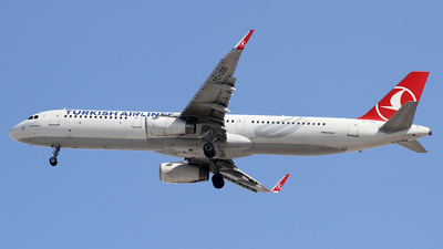 A picture of TCJSE - Airbus A321231 - Turkish Airlines - © Ali Mithat Ozdogan