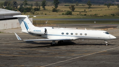 N740SS - Gulfstream G-V - Private
