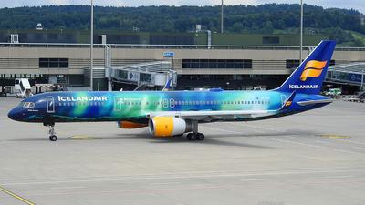 TF-FIU - Boeing 757-256 - Icelandair