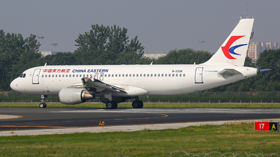 B-2208 - Airbus A320-214 - China Eastern Airlines