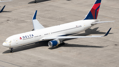 A picture of N178DN - Boeing 767332(ER) - Delta Air Lines - © Erik Goodfellow