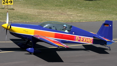 D-EXHG - Extra 300L - Private
