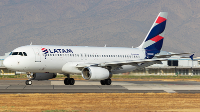 CC-BAC - Airbus A320-233 - LATAM Airlines