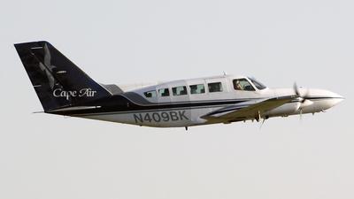 A picture of N409BK - Cessna 402C - Cape Air - © Sergio Cardona