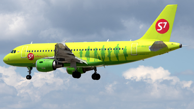 VP-BHJ - Airbus A319-114 - S7 Airlines