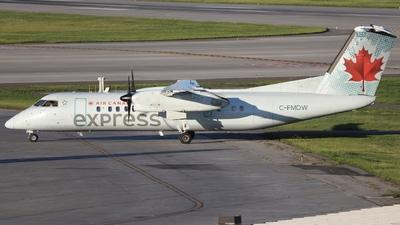 A picture of CFMDW - De Havilland Canada Dash 8300 - Air Canada - © Hongyu Wang