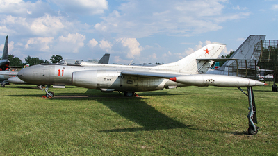 11 - Yakovlev Yak-25 Mandrake - Soviet Union - Air Force