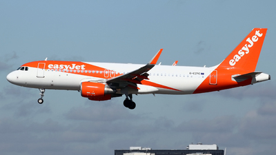 A picture of GEZPE - Airbus A320214 - easyJet - © Peter Baldwin