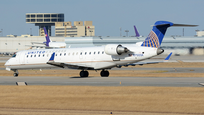 N750SK - Bombardier CRJ-701 - United Express (SkyWest Airlines)