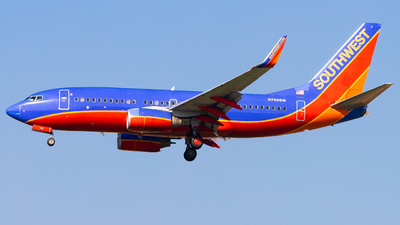 A picture of N789SW - Boeing 7377H4 - Southwest Airlines - © Eric Esots