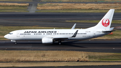 JA303J - Boeing 737-846 - Japan Airlines (JAL)