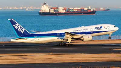 JA717A - Boeing 777-281(ER) - All Nippon Airways (ANA)