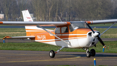 PH-LVH - Reims-Cessna F172M Skyhawk - Wings over Holland