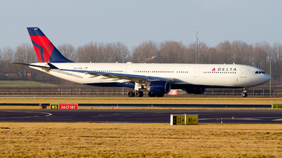 N805NW - Airbus A330-323 - Delta Air Lines